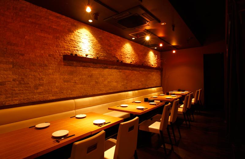魚魯魚魯(ぎろぎろ)のテーブル席